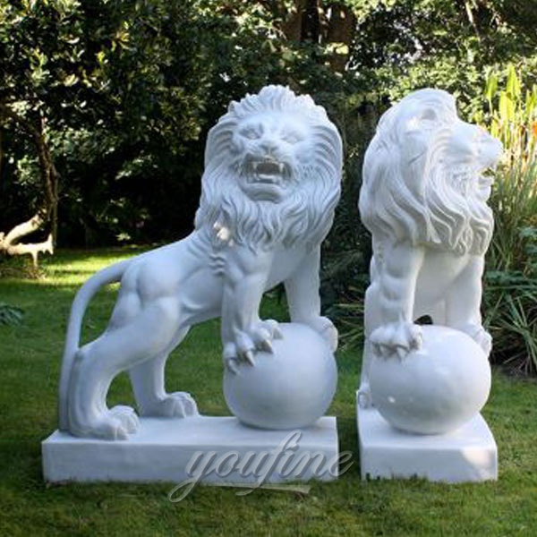 White marble life size lion with ball statue for garden decor