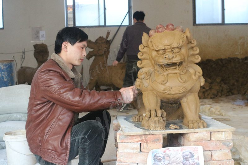 Pair of Traditional Chinese Lion Statue Door Entrance for Sale Clay Molds