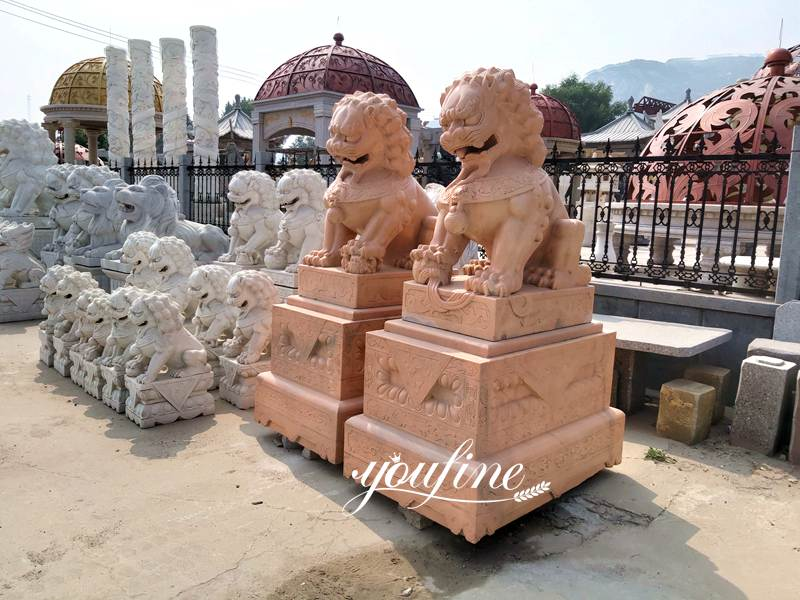 Pair of Traditional Chinese Lion Statue Door Entrance for Sale